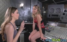 Les teens in studio lick pussy and fuck